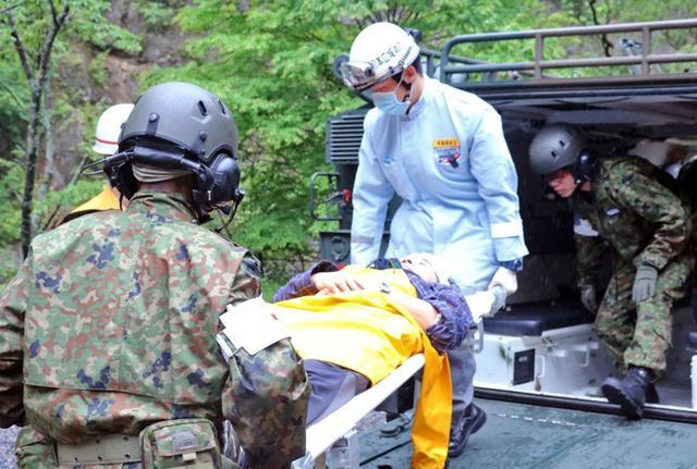 画像6: 焼岳噴火を想定し防災訓練|松本駐屯地