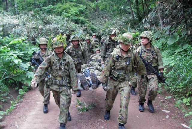 画像3: 准看護師課程学生が訓練|自衛隊札幌病院
