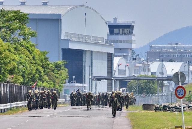 画像2: 自衛官候補生87人、25キロ完歩|守山駐屯地