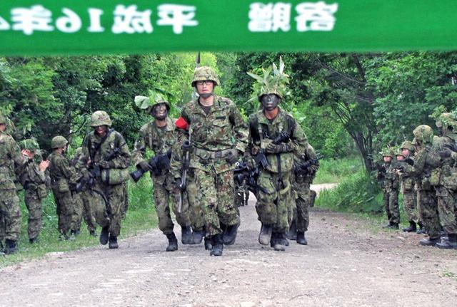 画像4: 准看護師課程学生が訓練|自衛隊札幌病院