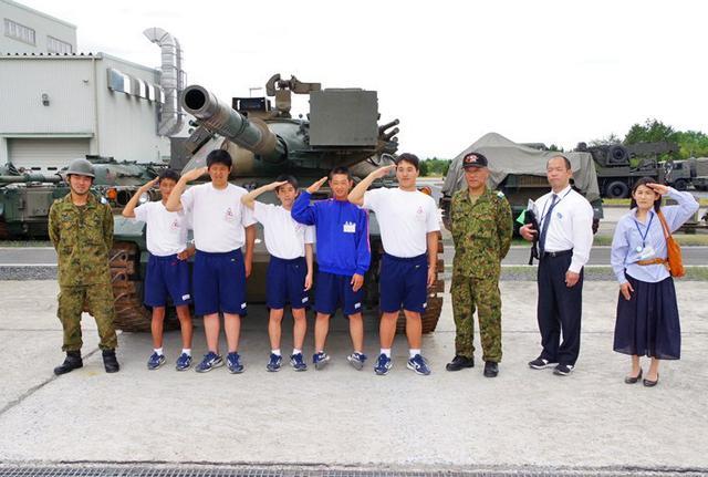 画像1: 中学2年生が職場体験|日本原駐屯地