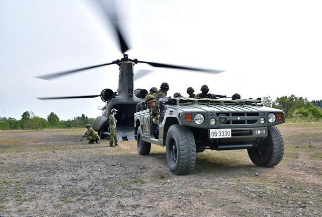 画像3: 空中機動訓練に隊員190人|高田駐屯地