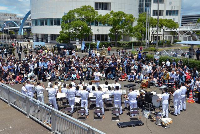 画像7: 艦艇広報で音楽隊が演奏披露|愛知地本