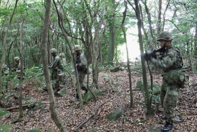 画像1: 132人、陸曹中級課程を卒業|久留米駐屯地