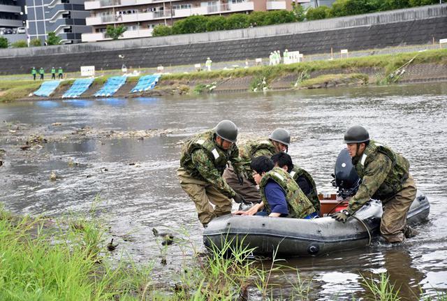画像4: 水防演習で災害時の連携強化|北熊本駐屯地