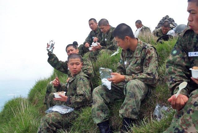 画像3: 自候生49人が高隅山地で機動訓練|国分駐屯地