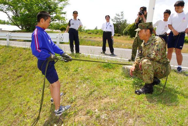 画像4: 中学2年生が職場体験|日本原駐屯地