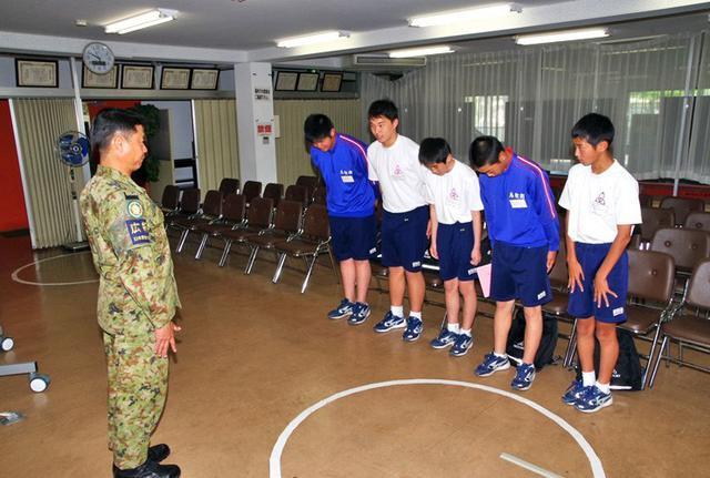 画像2: 中学2年生が職場体験|日本原駐屯地