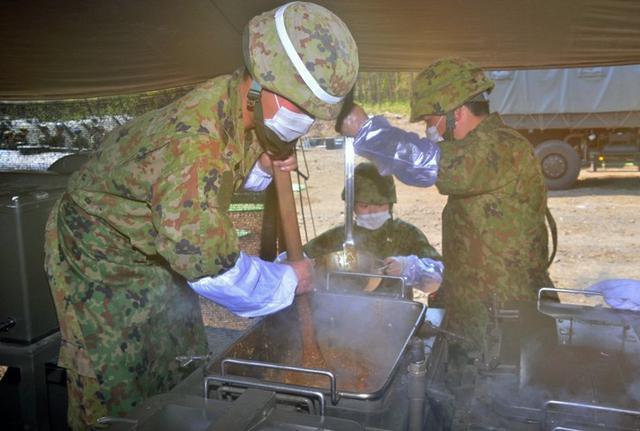 画像5: 野外炊事協議会で「カツカレー」|岩手駐屯地