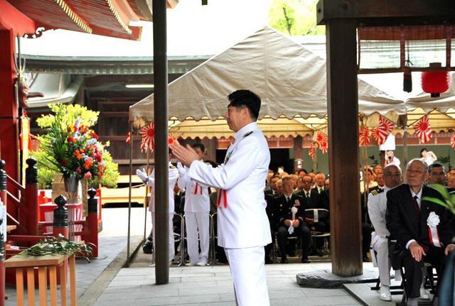 画像2: 洋上追悼式で戦没・殉難者を慰霊|福岡地本