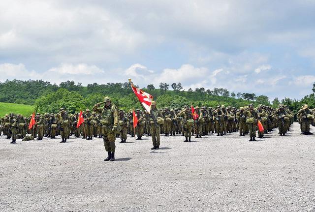 画像1: 実動訓練を経て戦闘射撃|別府駐屯地