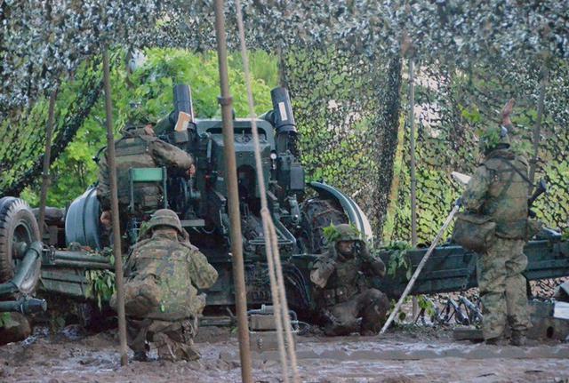 画像7: 8日間の機動展開・射撃訓練|北富士駐屯地