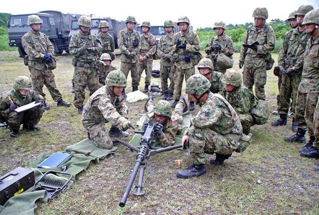 画像4: 射撃練度の向上を図る|久居駐屯地