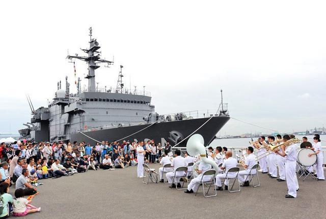 画像1: 艦艇広報で音楽隊が演奏披露|愛知地本