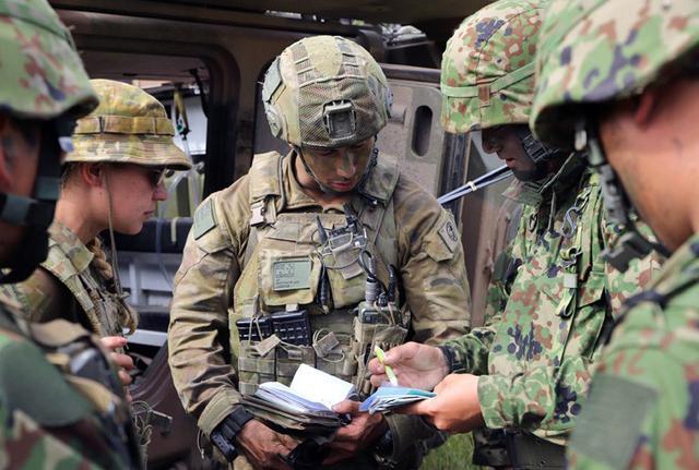 画像3: 米・豪軍と実動訓練|松本駐屯地