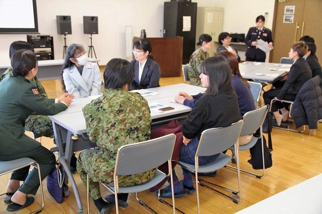 画像4: 女性限定見学会で女性駐屯地司令が講話|岩手地本