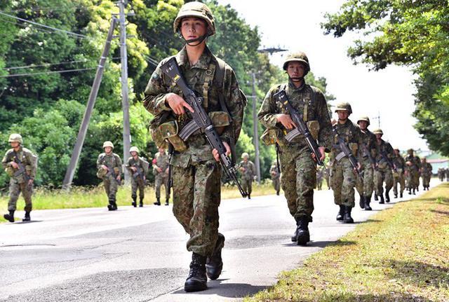 画像1: 自衛官候補生87人、25キロ完歩|守山駐屯地