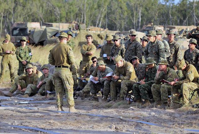 画像1: 米・豪軍と実動訓練|松本駐屯地