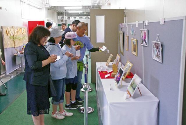 画像12: 創立66周年行事に住民ら1600人|岩見沢駐屯地
