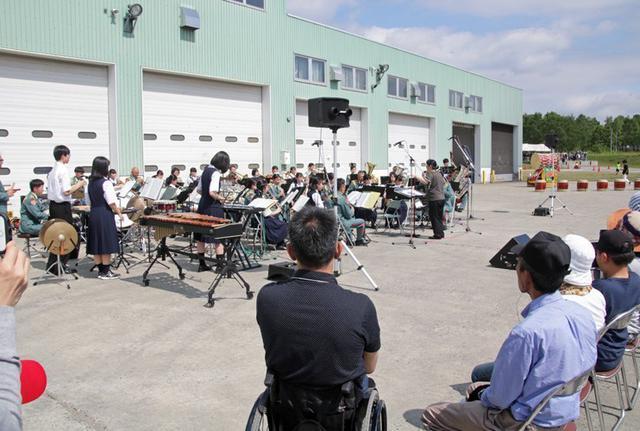 画像10: 創立66周年行事に住民ら1600人|岩見沢駐屯地