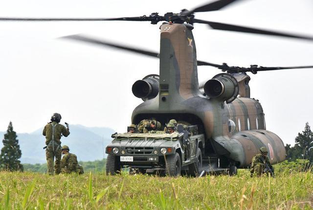 画像2: 空中機動訓練に隊員190人|高田駐屯地