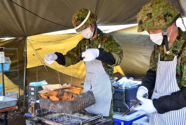画像6: 野外炊事協議会で「カツカレー」|岩手駐屯地