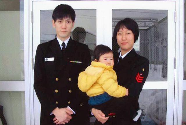 画像: 育児休業取得 モデルケースに|海自大湊航空基地