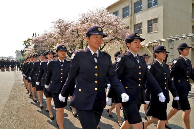 画像1: 女性自候生195人に教育開始|久留米駐屯地