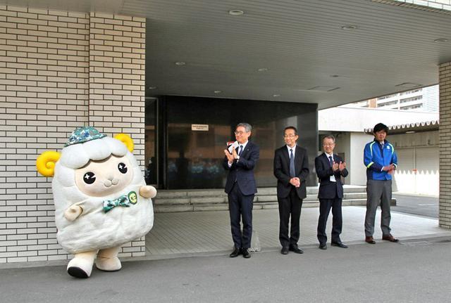 画像3: 部員50人が清掃活動で環境美化|札幌地本