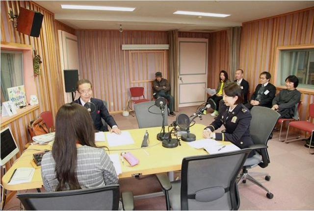 画像1: 女性本部長がAMラジオで募集アピール|京都地本