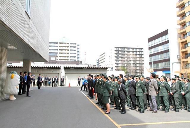 画像2: 部員50人が清掃活動で環境美化|札幌地本