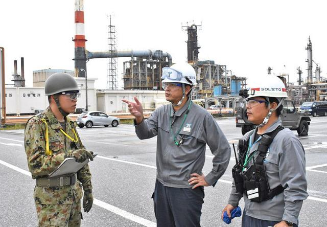 画像3: 県と共催で大地震を想定した実動訓練|陸自15旅団