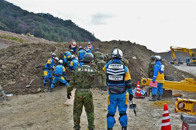 画像3: 震度7想定し緊急援助隊訓練|別府駐屯地