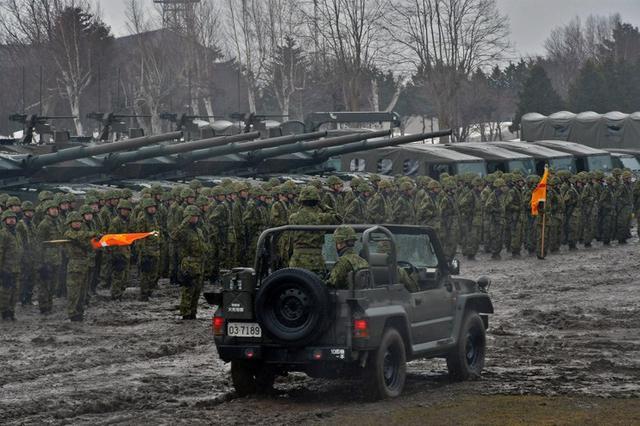 画像1: 「最強連隊目指し共に」連隊長訓示|滝川駐屯地
