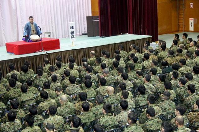 画像: 落語でストレス発散|福島駐屯地