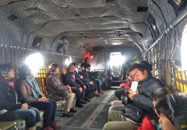 画像3: 輸送ヘリ体験搭乗に71人|熊本地本