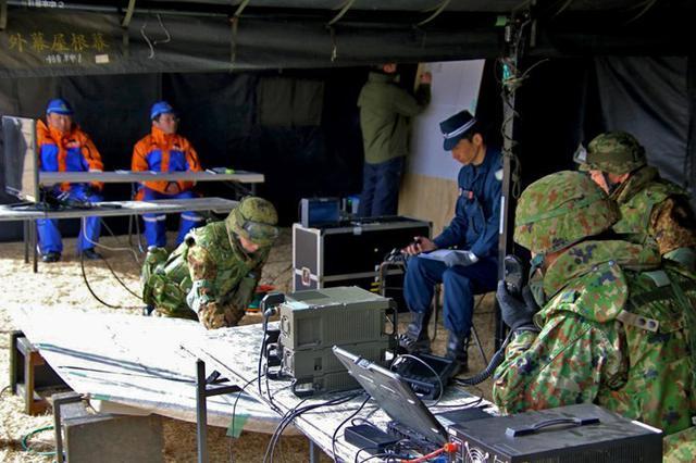 画像2: 県警と共同訓練|相馬原駐屯地