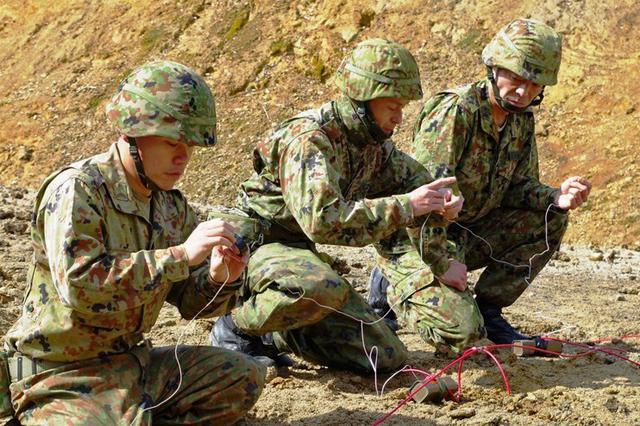 画像4: 創隊以来初めて手榴弾投擲|豊川駐屯地