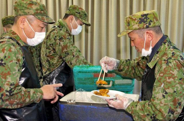 画像8: 「食事が部隊をつくる」野外炊事競技会|陸自対馬警備隊