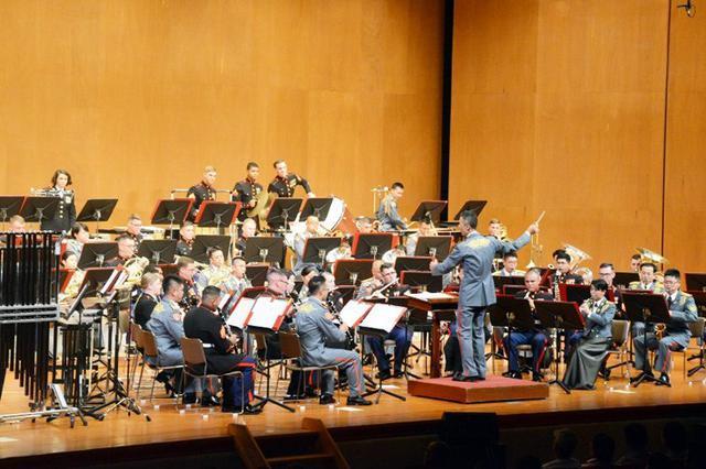 画像: 沖縄で日米合同コンサート|陸自15旅団