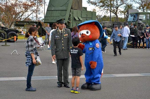 画像: 基地祭で募集広報|滋賀地本