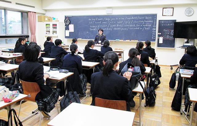 画像: 女性自衛官 母校で広報|東京地本