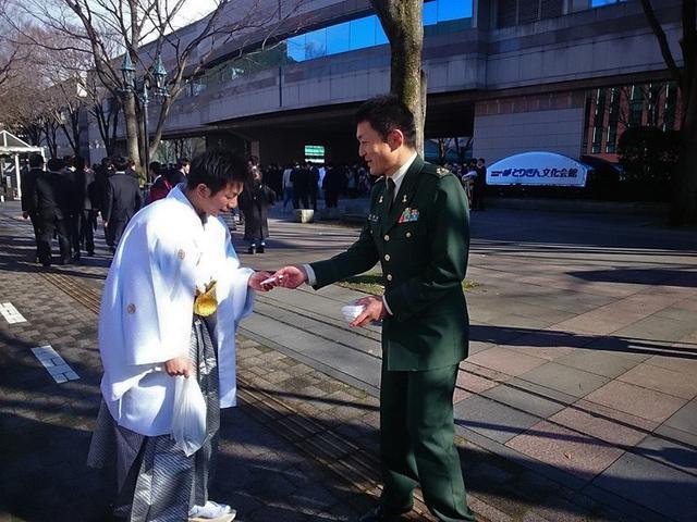 画像: 新成人に募集アピール|鳥取地本