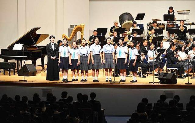 画像: 「ジャズ」テーマに1600人を魅了|海自東京音楽隊