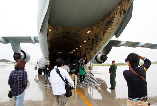 画像: 体験搭乗に初めてC2輸送機|空自美保基地