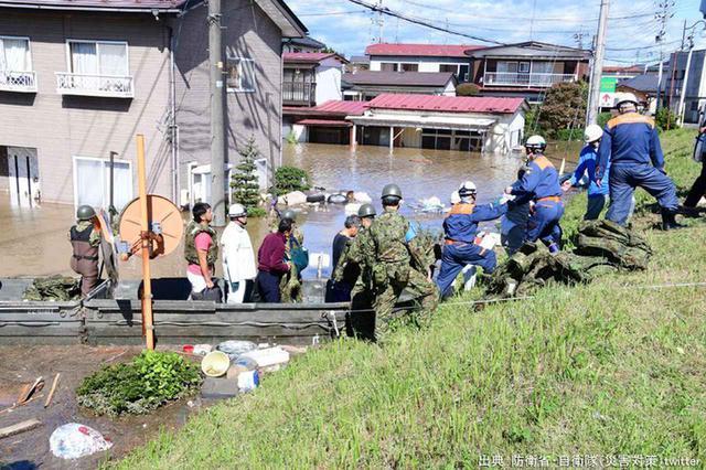 画像6: 安倍首相、河野防衛大臣があいさつ|自衛隊記念日レセプション