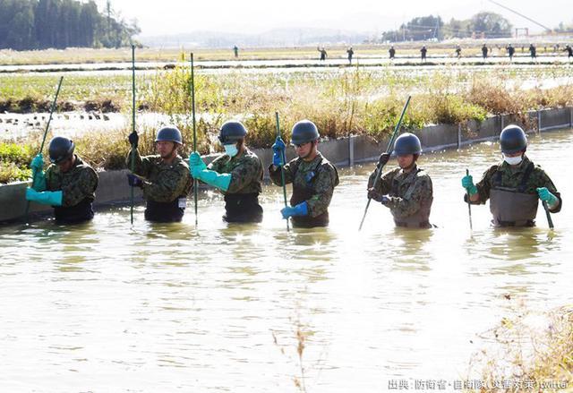 画像5: 安倍首相、河野防衛大臣があいさつ|自衛隊記念日レセプション