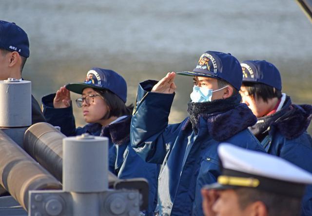 画像2: 掃海管制艇「ながしま」でインターンシップ|高知地本