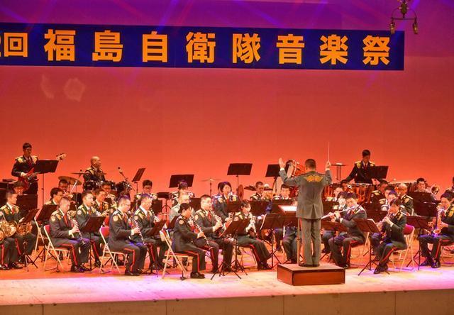 画像1: 「平和への思い」音楽祭に3200人|福島駐屯地