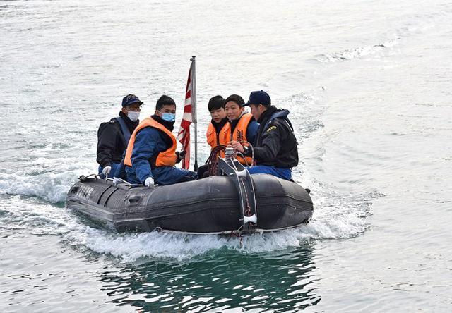 画像3: 掃海管制艇「ながしま」でインターンシップ|高知地本